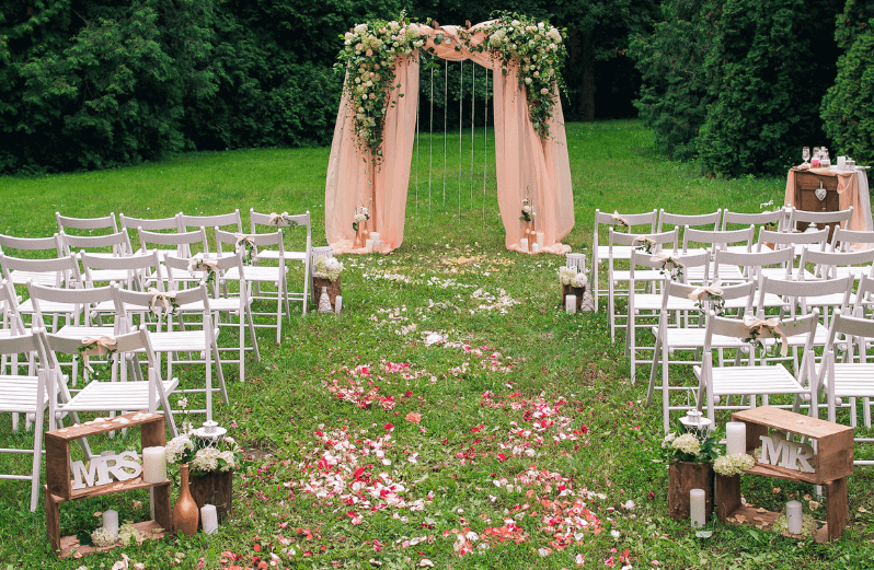 1632420197 787 Seating for a garden wedding stylish and comfortable - Seating for a garden wedding: stylish and comfortable
