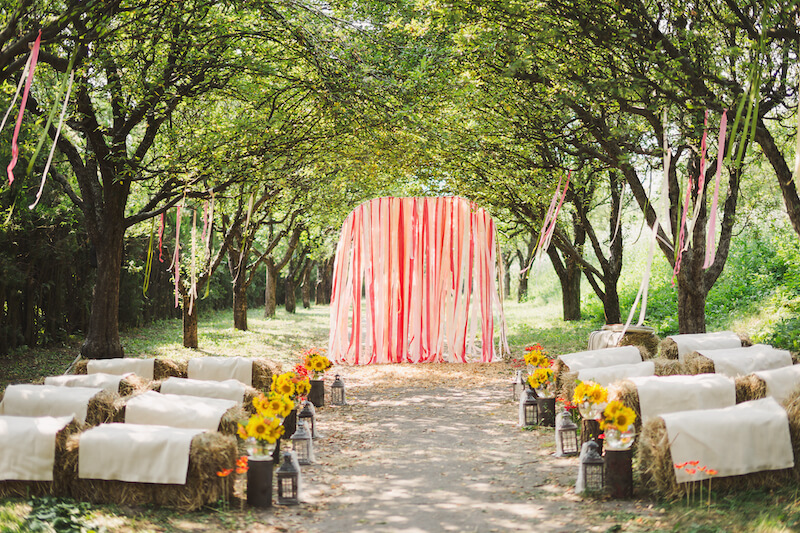 1632420198 325 Seating for a garden wedding stylish and comfortable - Seating for a garden wedding: stylish and comfortable