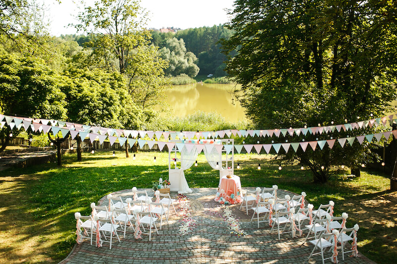 1632420198 698 Seating for a garden wedding stylish and comfortable - Seating for a garden wedding: stylish and comfortable