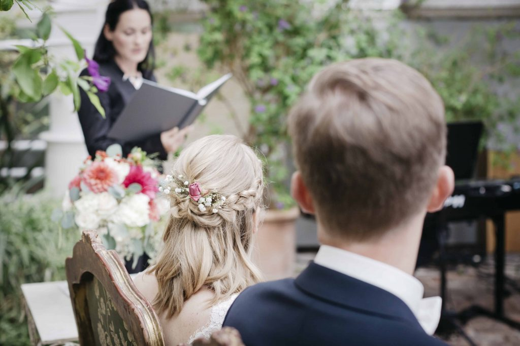 1632479761 919 Great ideas for free wedding ceremonies the wedding speaker - Great ideas for free wedding ceremonies & the wedding speaker> Discover now!