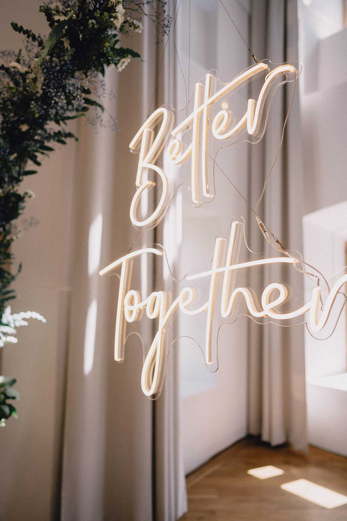 1632483533 458 Wedding with neon letters in Hohenkammer Castle - Wedding with neon letters in Hohenkammer Castle