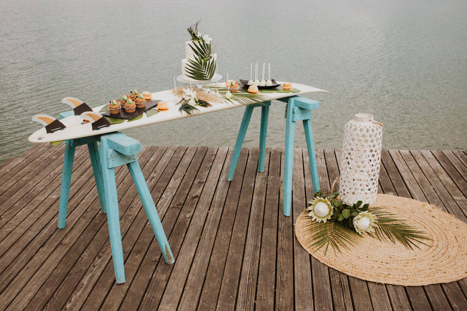 Beach wedding at the lake with palm leaves and Caribbean - Beach wedding at the lake: with palm leaves and Caribbean flair
