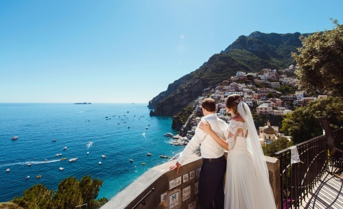 Elopement wedding small and fine - Getting married abroad- Forevermine Weddings